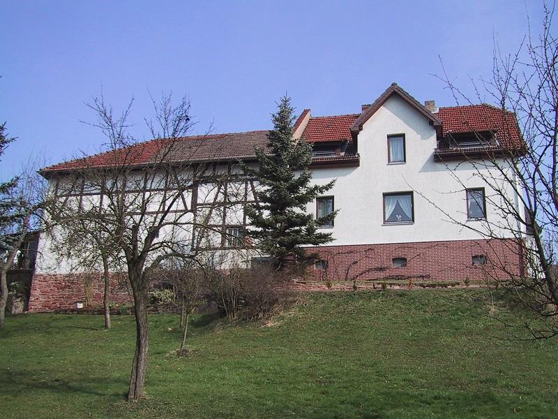 Gepflegtes Wohnhaus Mit Scheune Zu Verkaufen In 36269